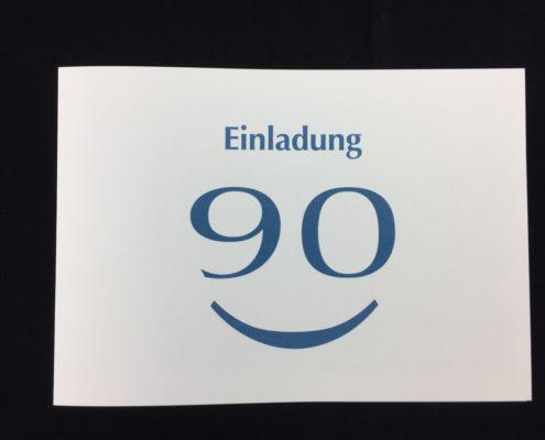Einladung 90. Geburtstag, Klappkarte im Postkartenformat, farbiger Digitaldruck