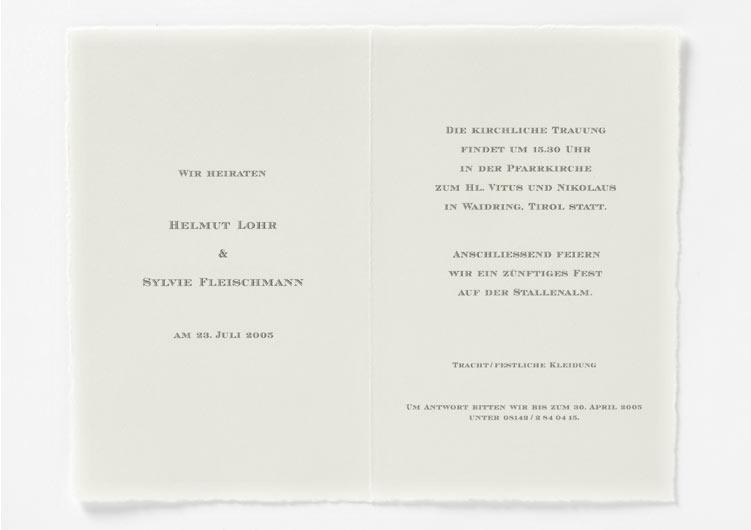 Hochzeitseinladung auf Büttenpapier, grauer Offsetdruck
